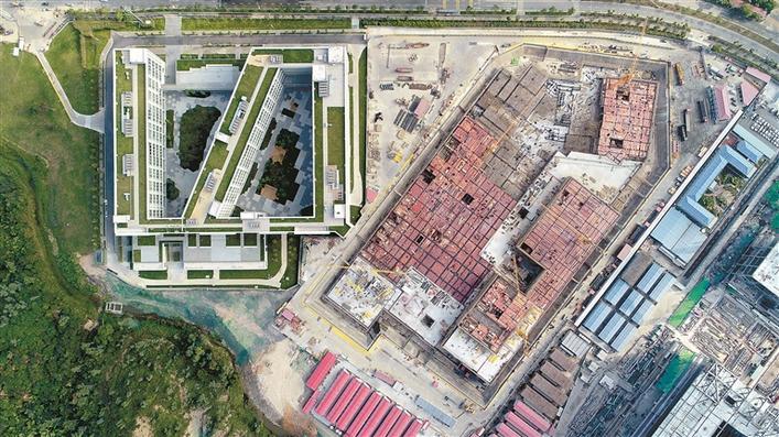 """深圳技术大学校园设计采用""""空中大学""""方案,在全国高校中属首创"""